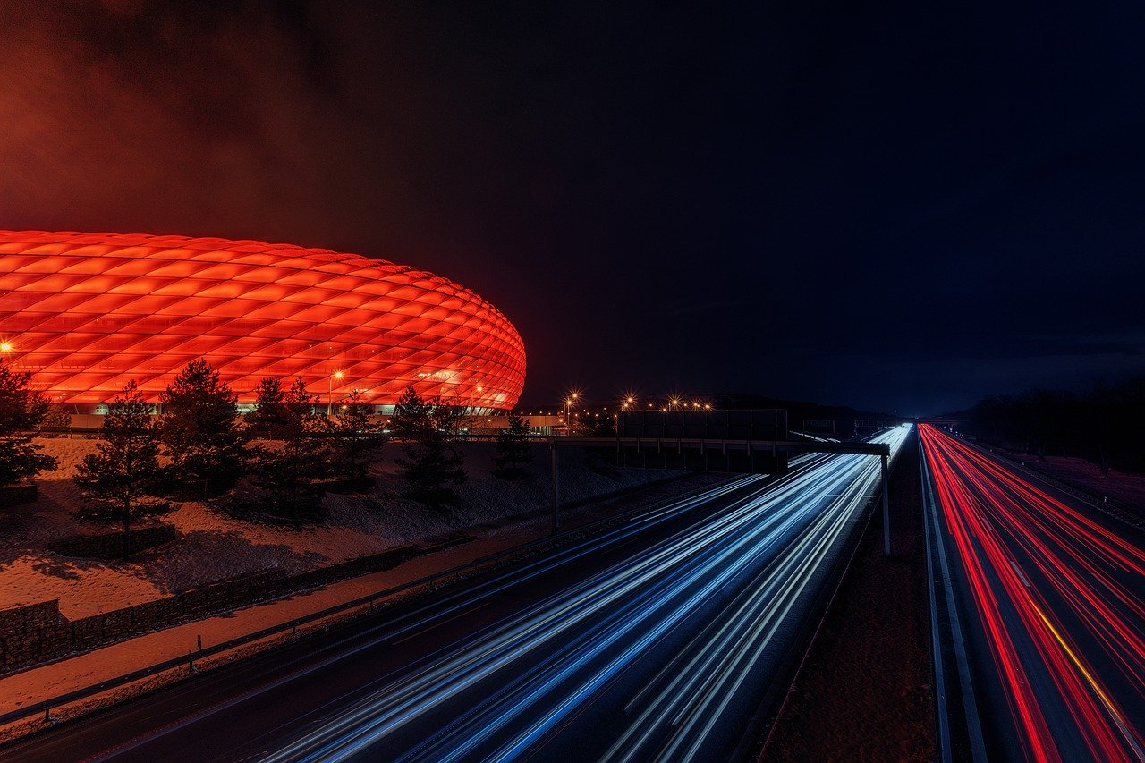 Internet Speed FUssballstadion 3404535 1280 pixabay